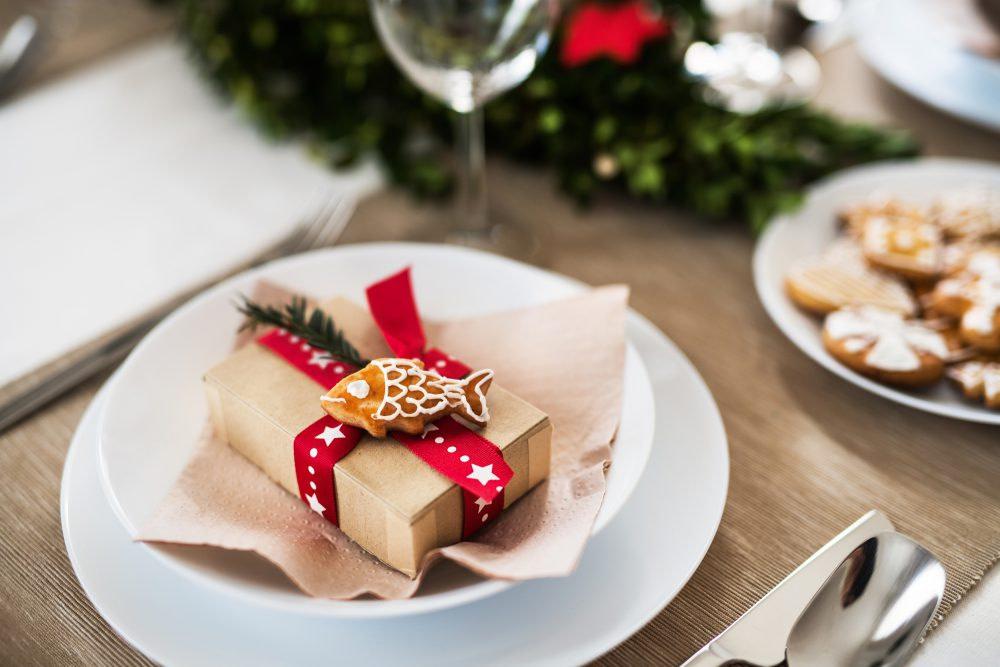 Christmas dinner table setting - CDA